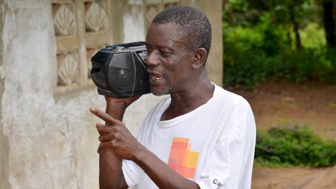 La Radio informa sobre el Ébola