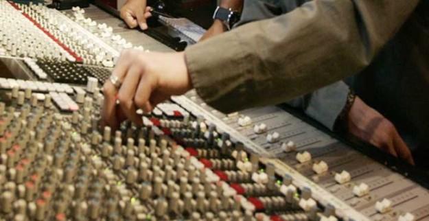 Vozpópuli - Radio Exterior volverá a la Onda Corta tras las presiones recibidas, pero perdería cobertura