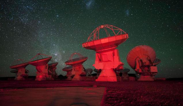 Estallido cosmico de ondas de radio