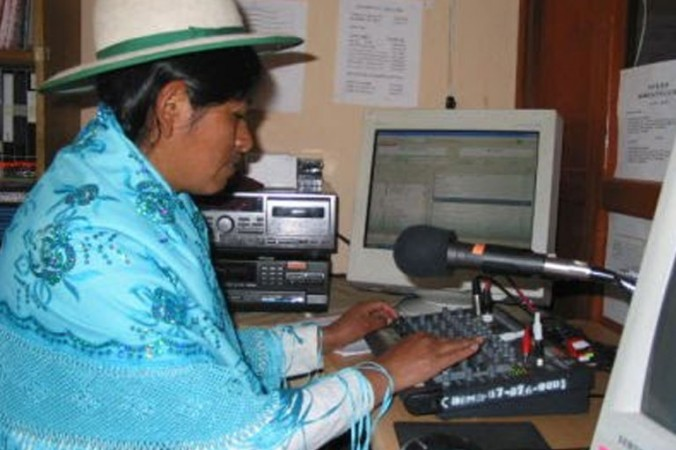 Radio Bartolina Sisa