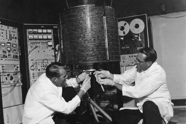 50 Aniversario de la primera llamada a traves de satélite